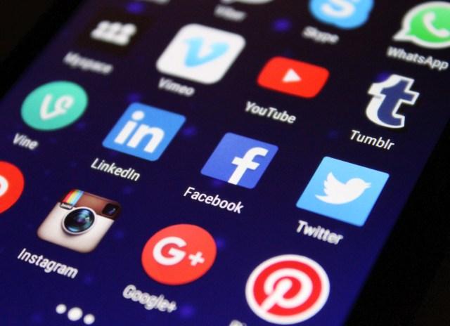 Solutif Memberi dan Menerima Feedback dalam Komunikasi Digital (233148)