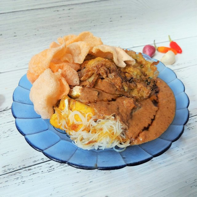 Makan Enak: Lontong Sayur Betawi Pak Dayat, Kuahnya Kental sampai Mlekoh! (1193916)