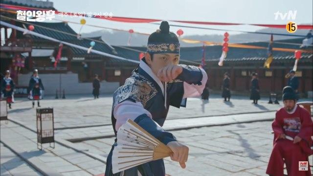 Kim Jung Hyun Alami Momen Memalukan karena Kostum di Drama Korea Mr. Queen (16373)