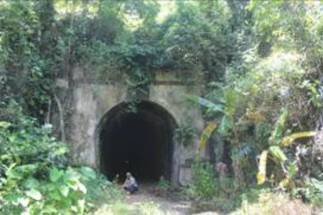 Terowongan Kereta Api Terpanjang di Indonesia yang Menyimpan Kisah Menyedihkan (2)