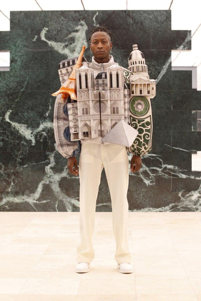 Inspirasi Budaya Afrika di Koleksi Terbaru Busana Pria Louis Vuitton (214721)