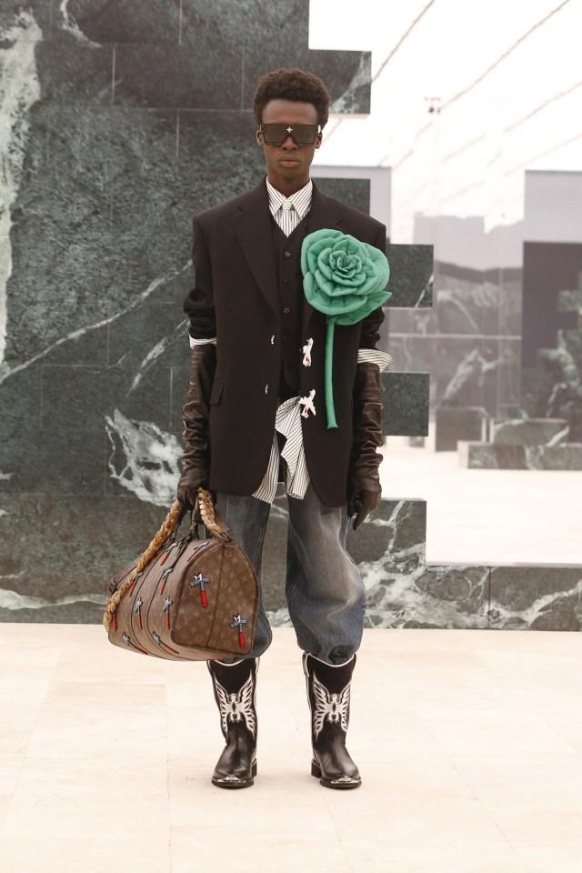 Inspirasi Budaya Afrika di Koleksi Terbaru Busana Pria Louis Vuitton (214725)