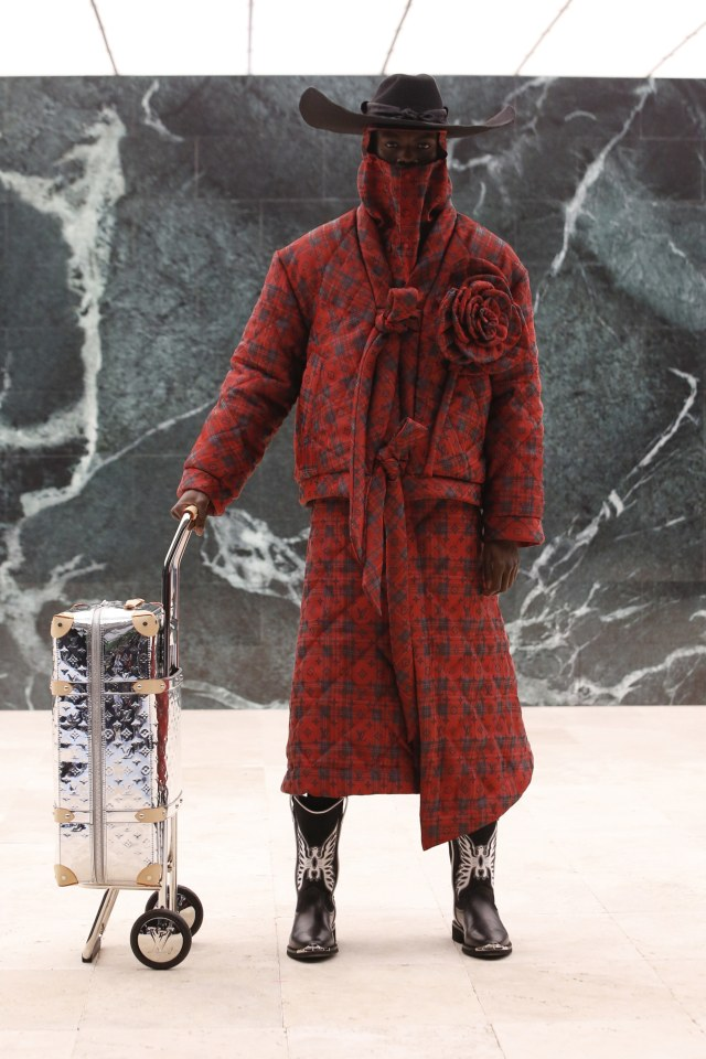 Inspirasi Budaya Afrika di Koleksi Terbaru Busana Pria Louis Vuitton (214723)