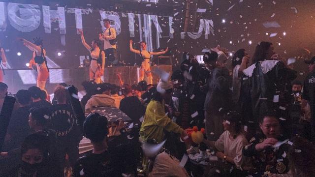 Berlin Buka Kembali Klub Malam untuk Warga yang Sudah Divaksin COVID-19 (264714)