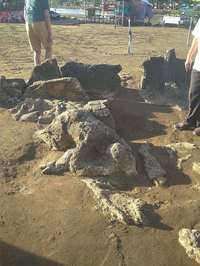 Cerita Rakyat Malin Kundang: Anak Durhaka yang Dikutuk Jadi Batu (22791)