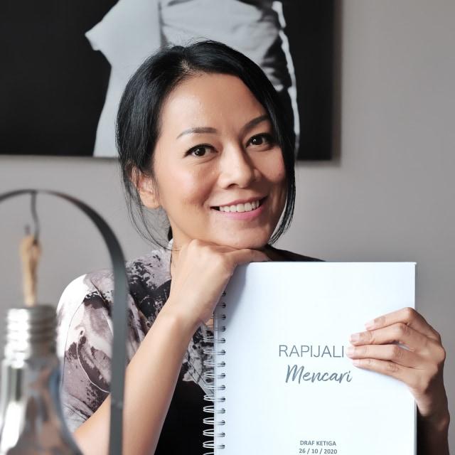 Dee Lestari Siap Rilis Buku Rapijali, Naskah Tertua yang Ditulis 27 Tahun Lalu (1)