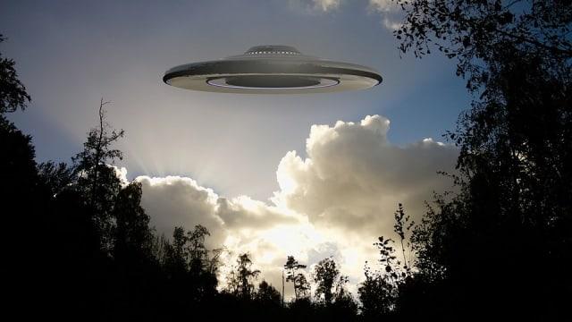5 Teori Segitiga Bermuda: Dari Alien hingga Jalan Pintas Ruang-Waktu (11138)