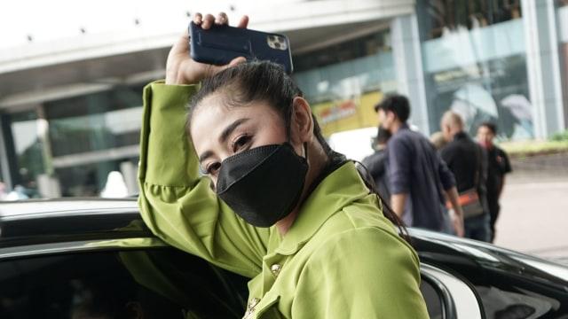 Diajak Berhubungan Intim oleh Netizen, Dewi Perssik: Saya Merasa Dilecehkan (114451)