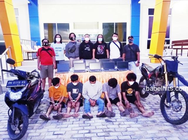 Kecanduan Judi Online, Kawanan ABG di Pangkalpinang Curi Laptop Milik Sekolah (117838)
