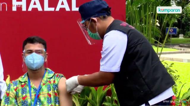 Tepat Hari Ini Jokowi dan Raffi Ahmad 6 Bulan Divaksin Sinovac, Imun Turun? (10624)