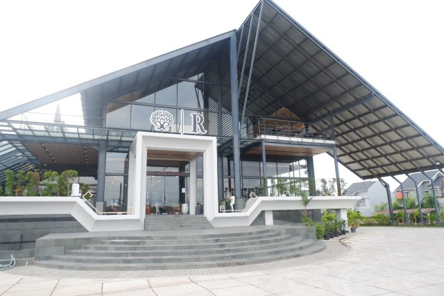 Ngopi dengan Konsep Suasana Industrial ala El's Coffee Roastery, Bandar Lampung (141196)