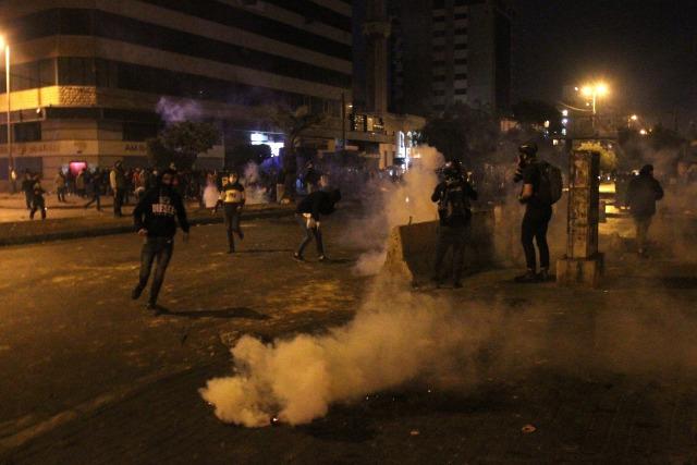 Demo Tolak Lockdown di Lebanon Rusuh, 226 Orang Terluka (3)