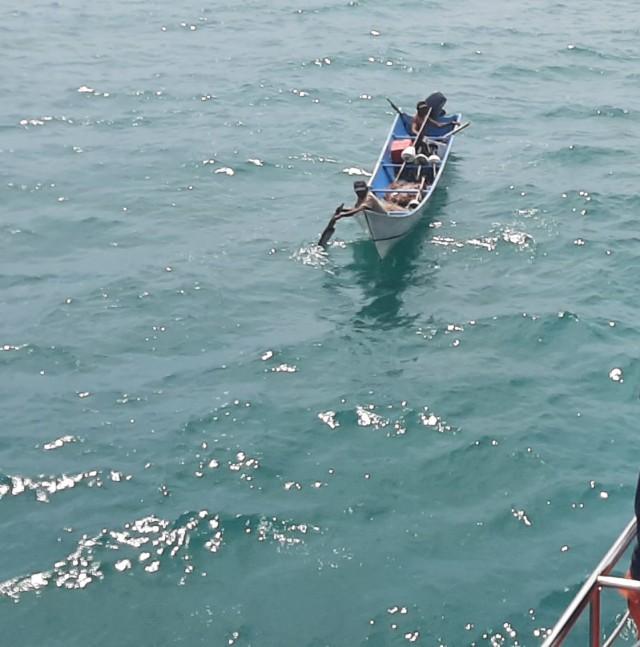 Dua Nelayan yang Hilang di Sorong, Ditemukan Selamat dengan Kondisi Lemas (652832)