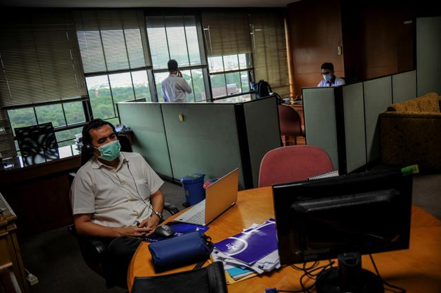 PPKM Darurat, Sektor Esensial WFO dengan Kapasitas Maksimal 50% (734035)