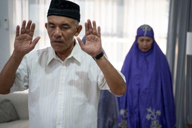 Syarat Menjadi Imam Sholat Berjamaah yang Perlu Ditaati (680560)