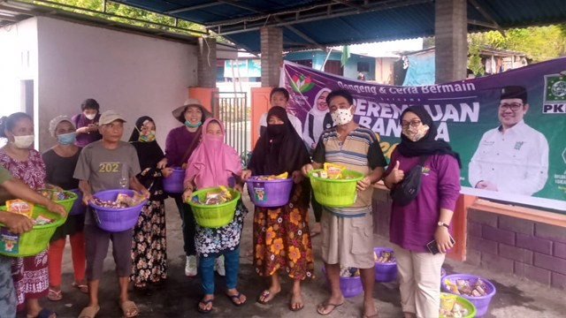 Perempuan Bangsa Salurkan Bahan Pangan untuk Korban Banjir Manado (259292)