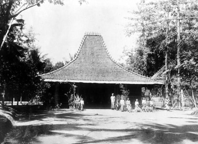 Joglo, Rumah Adat Jawa Tengah Tempat Para Bangsawan Terdahulu Tinggal (73099)