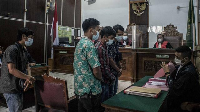 5 Terdakwa Kasus Kebakaran Kejagung Dihukum 1 Tahun Bui, Mandor Divonis Bebas (21438)
