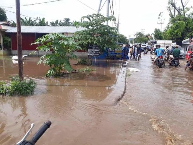 Ratusan Rumah Warga di Wolomarang, Sikka, Terendam Banjir (20529)