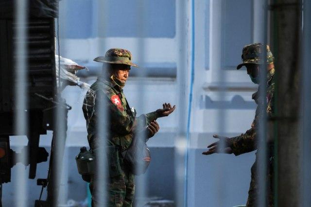 Militer Myanmar Diduga Tangkap dan Pukul Dokter yang Rawat Pasien COVID-19 (489581)
