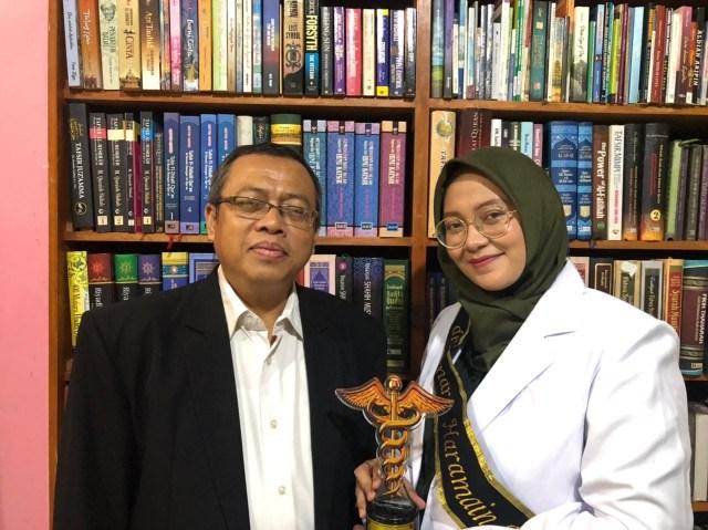 Berkat Doa Orangtua dan Hafalan Al-Qur'an, Gelar Dokter Mampu Diraih (1)