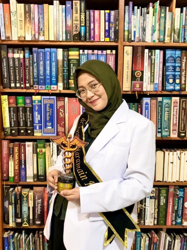 Berkat Doa Orangtua dan Hafalan Al-Qur'an, Gelar Dokter Mampu Diraih (2)