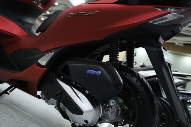 Ukuran Ban Honda PCX 160 Ternyata 'Belang', Apa Tujuannya? (45967)
