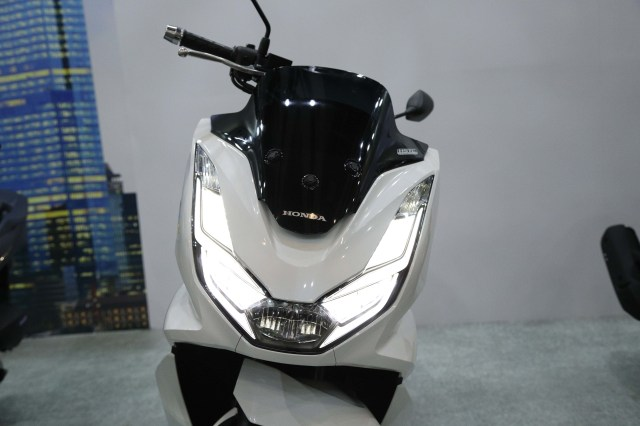 Foto: Yang Baru di All New Honda PCX 160 2021 (122668)