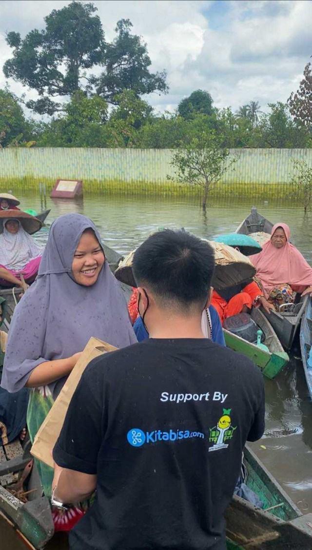 Taqy Malik Salurkan Bantuan Rp 400 Juta dari Ribuan Orang Baik (406157)