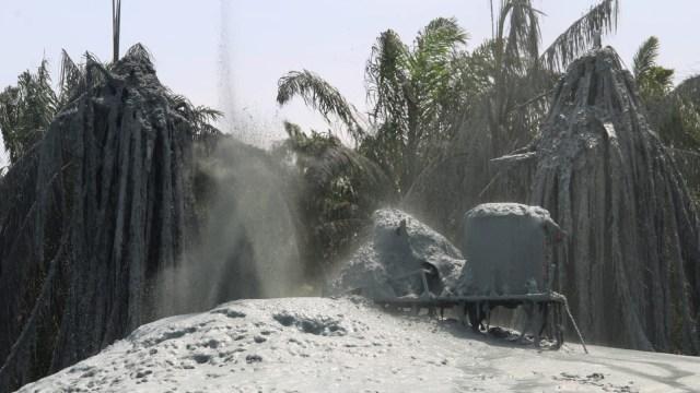 Foto: Dampak Semburan Gas Disertai Lumpur dan Batu di Pesantren Al-Ihsan  (28809)