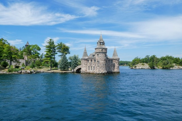 Cerita The Boldt Castle, Hadiah Tanda Cinta yang Tak Pernah Diberikan (6607)