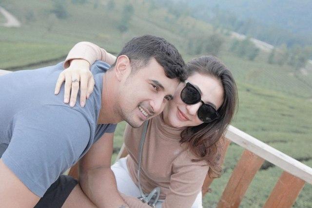 Selamat! Istri Ali Syakieb Hamil Anak Pertama (61255)