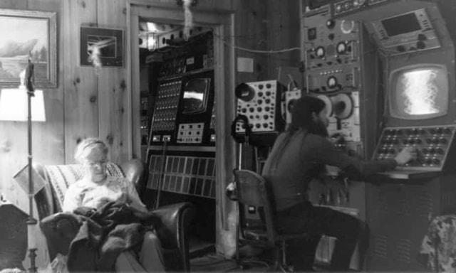 John Shepherd, Pria yang Habiskan 30 Tahun untuk Memburu Alien (38)