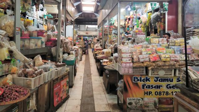 Jateng 2 Hari di Rumah Saja, Belasan Pedagang Pasar di Solo Kena Sanksi (172105)