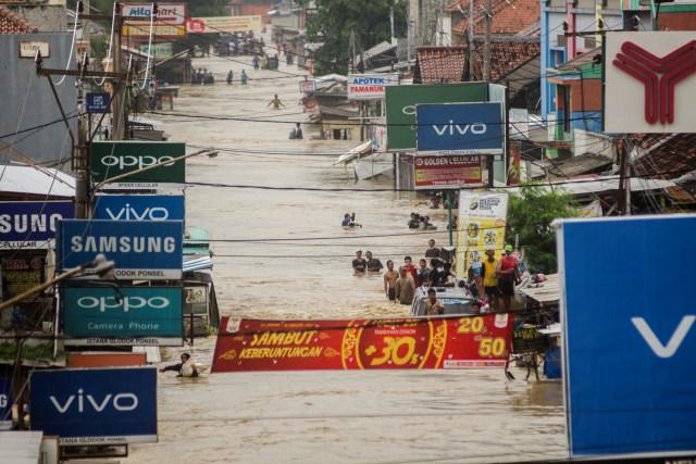 Ma'ruf Amin: Kalau Banjir Berulang Artinya Kita Itu Apa Ya? Tidak Cerdas (18685)
