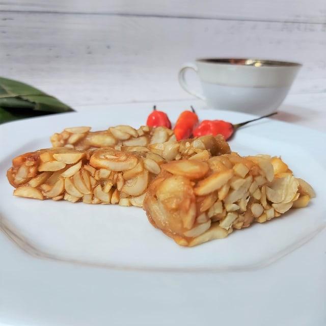 Mencoba Tempe Sultan Berbahan Kacang Almond, Harga Rp 65 Ribu per Papan! (155904)