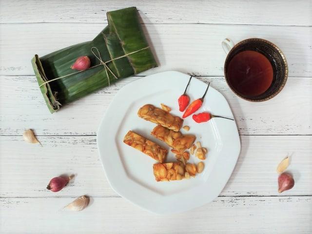 Mencoba Tempe Sultan Berbahan Kacang Almond, Harga Rp 65 Ribu per Papan! (155903)