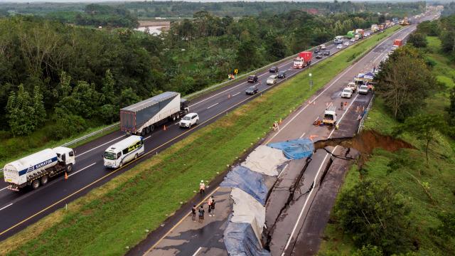 Cegah Kepadatan di Area Tol Cipali yang Amblas, Polisi Akan Perpendek Contraflow (56520)