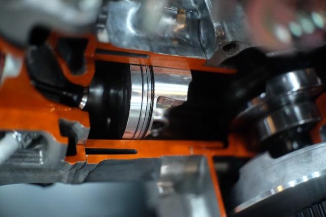 Kompresi Mesin Honda PCX 160 Melebihi Ninja ZX-25R, Boleh Minum Pertalite? (74510)