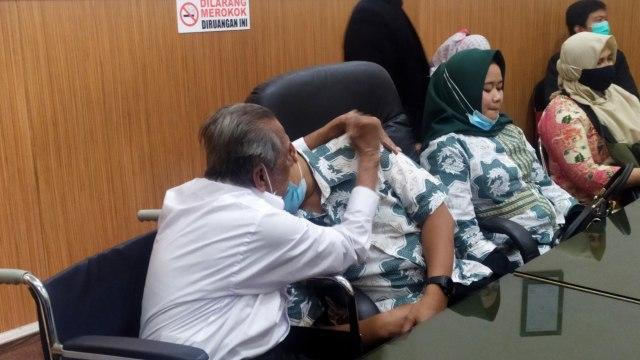 Mediasi, Ayah-Anak yang Berperkara soal Sewa Tanah di Bandung Kini Saling Peluk (36191)