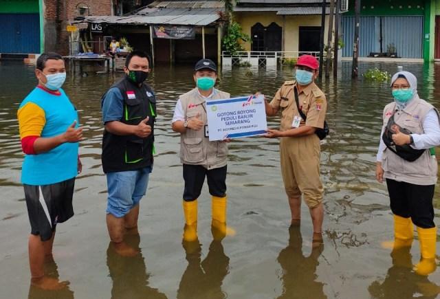 Inisiatif Zakat Indonesia - PT Indonesia Power SGU Salurkan Bantuan di Semarang (102714)