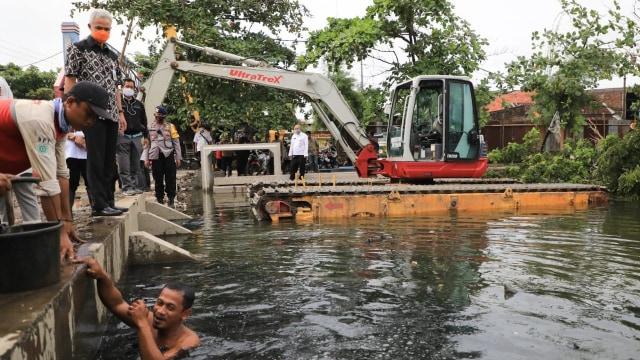 Ganjar soal Banjir di Semarang yang Tak Kunjung Surut: Salahkan Saya (185382)