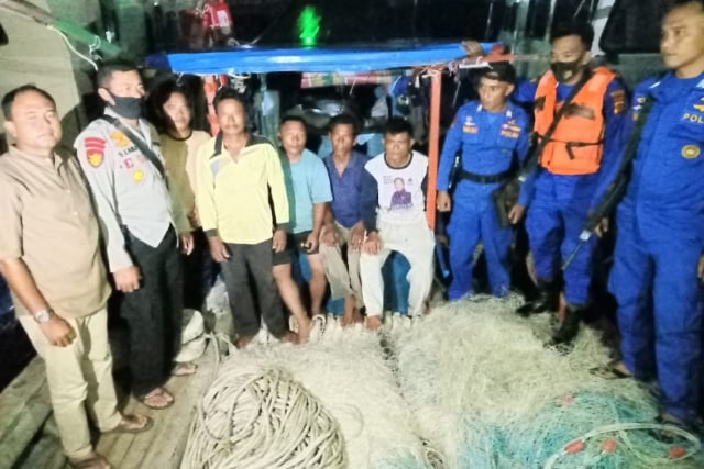 Kapal Nelayan Sibolga Ditangkap di Aceh karena Pakai Alat Tangkap Ikan Ilegal (35491)