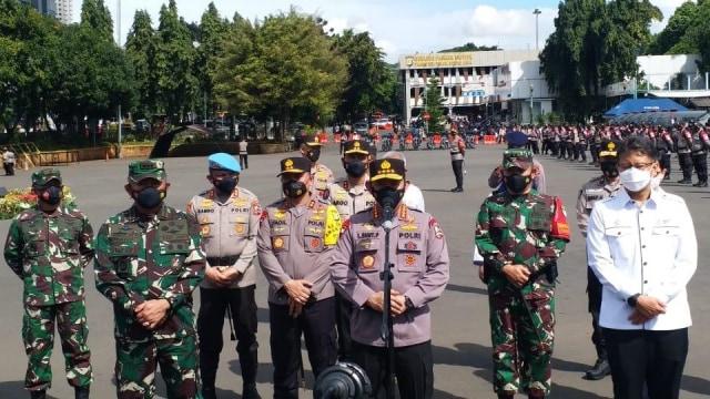 Jenderal Listyo Sigit Lepas 40.366 Polisi sebagai 'Pemburu' Kasus COVID-19 (3797)
