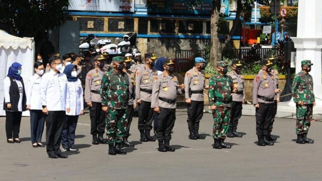 Jenderal Listyo Sigit Lepas 40.366 Polisi sebagai 'Pemburu' Kasus COVID-19 (3798)