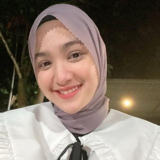 Bikin Adem, 7 Pesona Cut Syifa yang Kini Mantap Pakai Hijab (19934)