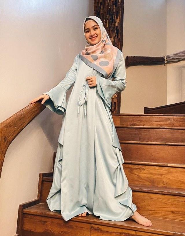 Bikin Adem, 7 Pesona Cut Syifa yang Kini Mantap Pakai Hijab (19931)