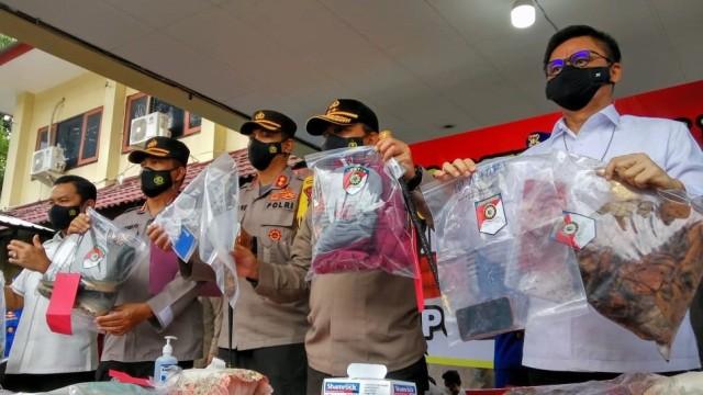 Polisi Ungkap Dalang Pembunuhan 1 Keluarga Pemilik Padepokan Ongko Joyo (75598)