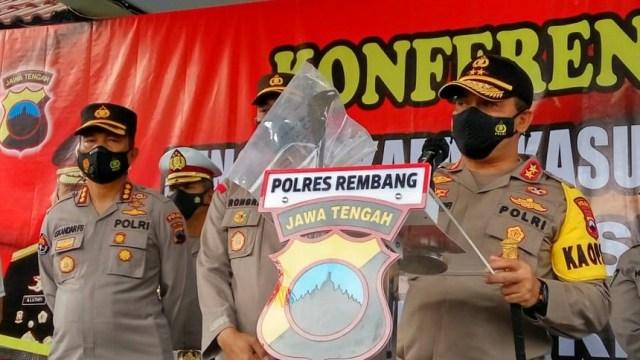 Motif Pembunuhan 1 Keluarga Padepokan di Rembang Diduga terkait Gamelan (111494)