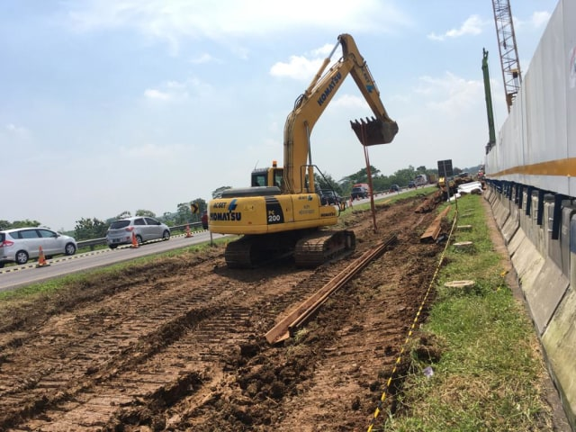 Proyek Jalan Sementara di Tol Cipali yang Amblas Ditargetkan Selesai 10 Hari  (32893)